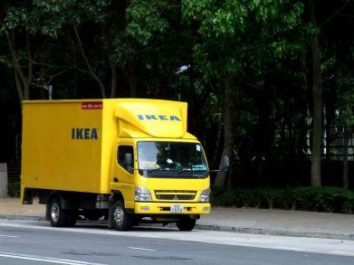 IKEA_Mitsubishi_Fuso_Canter_delivery_truck